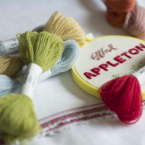 ロンドンからきたウールの刺繍糸「Appletons」。