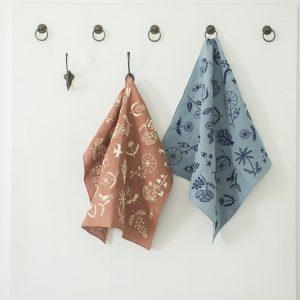 樋口愉美子さんデザイン「エンブロイダリーキット」は、新色をご用意いたします。