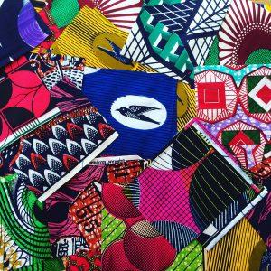 アフリカンプリント ハギレセット 書籍『世界手芸紀行』でも紹介している、アフリカンプリントのハギレをセットに。ブローチやポーチ、ミニバッグを作るのにおすすめです。
