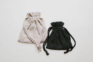 新作のニットの巾着バッグは、10色くらいご用意する予定です!