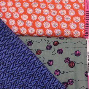 COTTON+STEELの生地。毛糸や糸柄もどこか個性的なデザイン。