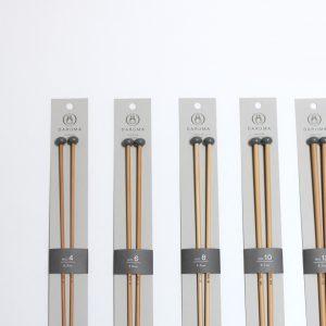 日本でとれた孟宗竹を原材料に使用した竹針です。針先の形状は比較的丸く、滑りす ぎず滑らなすぎず、程よい滑らかさに調整しています。