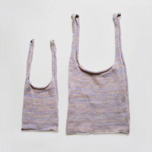 shoppingbagはSサイズとMサイズの2サイズでこ、ちらもカラフルな色展開の予定です。