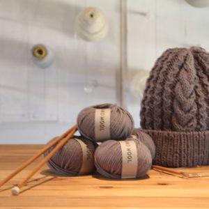 帽子の編み物キットもご用意しました。
