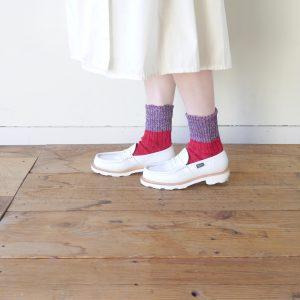 ベリーショートサイズで、丈は15㎝です。しめつけ感が少ない仕様の為、やさしい履き心地です。