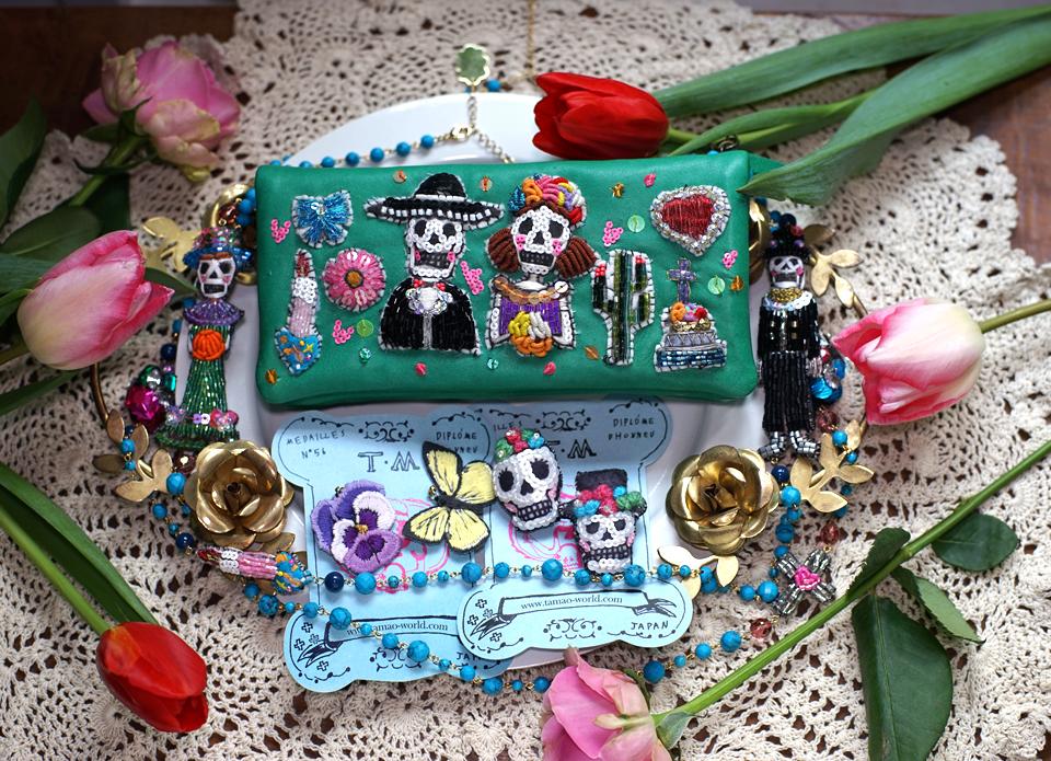 ガイコツ祭りがテーマのお財布やアクセサリー