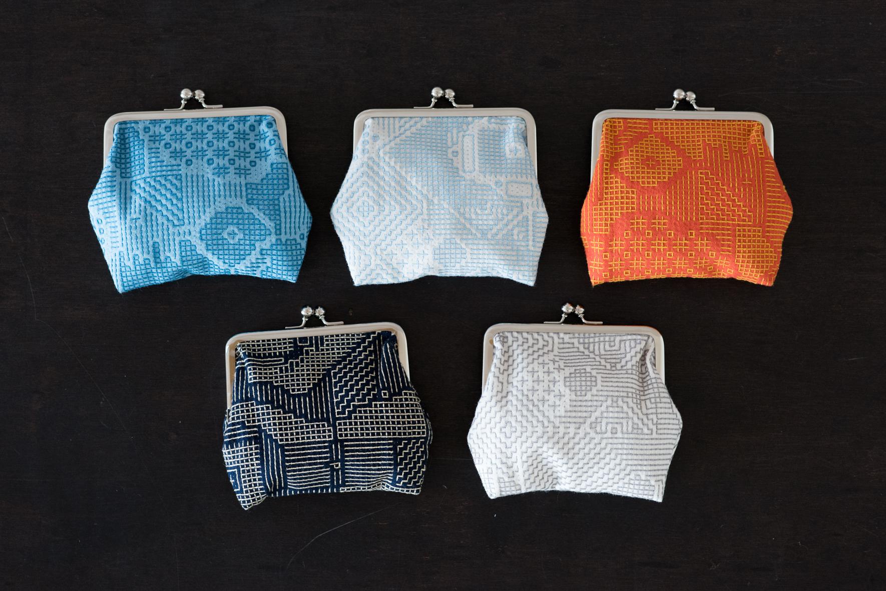 福島の刺子織は全5色の展開です