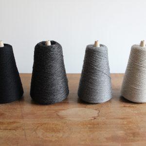 カシミア糸4色(ブラック・チャコールグレー・ミディアムグレー・ベージュ)