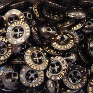 チェコのメタル製のヴィンテージボタン