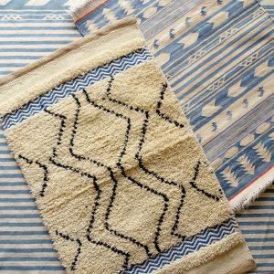 インドで作られる手織りラグ