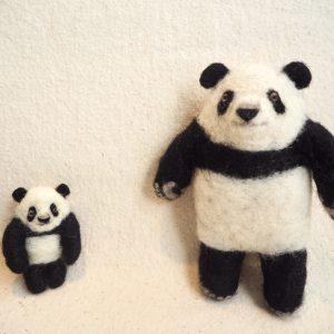 子パンダと母パンダ