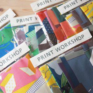 KOKKAから発売されている「PRINT WORKSHOP」シリーズの生地のハギレセットです。50×50cmが3枚入り。