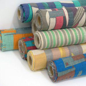 埼玉のアトリエでコツコツ作っているハンドプリントのオリジナル生地。素材は綿や麻など。