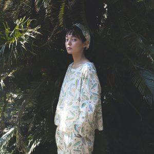 新作コレクション 'island' より(洋服は製品ではありません)。