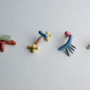 いろんな形があります。SENI pierce / wool,polyester fiber