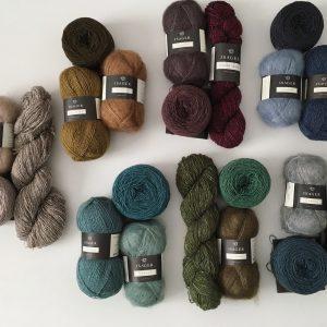 大人気のISAGER毛糸で編むMALENE帽子のキットはサンプル色だけではなく 色合わせ組み合わせの色々お楽しみ頂けるようにお選び頂けます。
