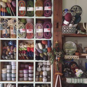 色鮮やかなエストニア毛糸のプレウールも!