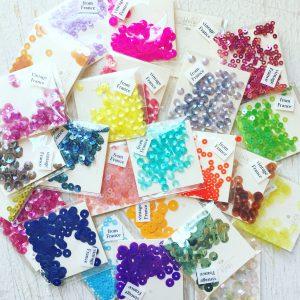 刺繍におすすめな色鮮やかなスパンコール